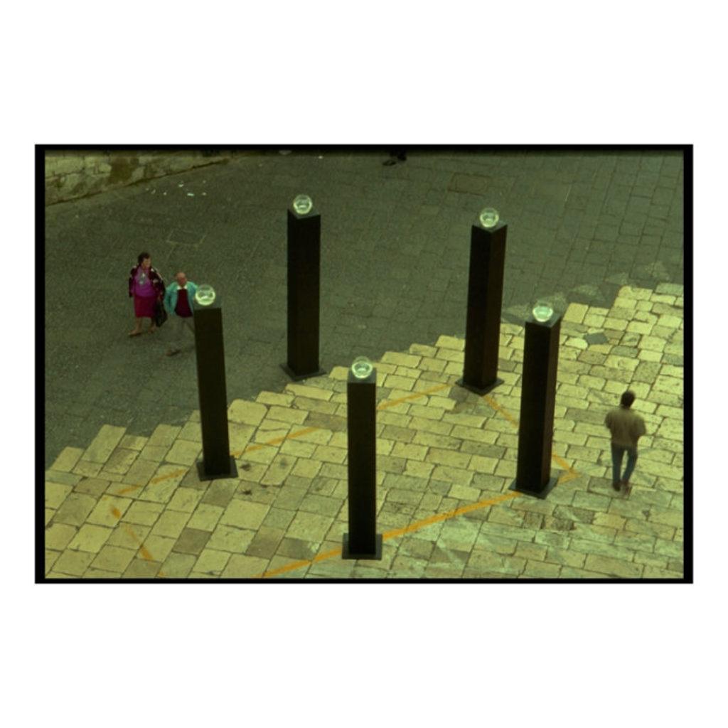 una preghiera per la pioggia. legno, acquari diensioni ambientali. Centro Storico di Fondi