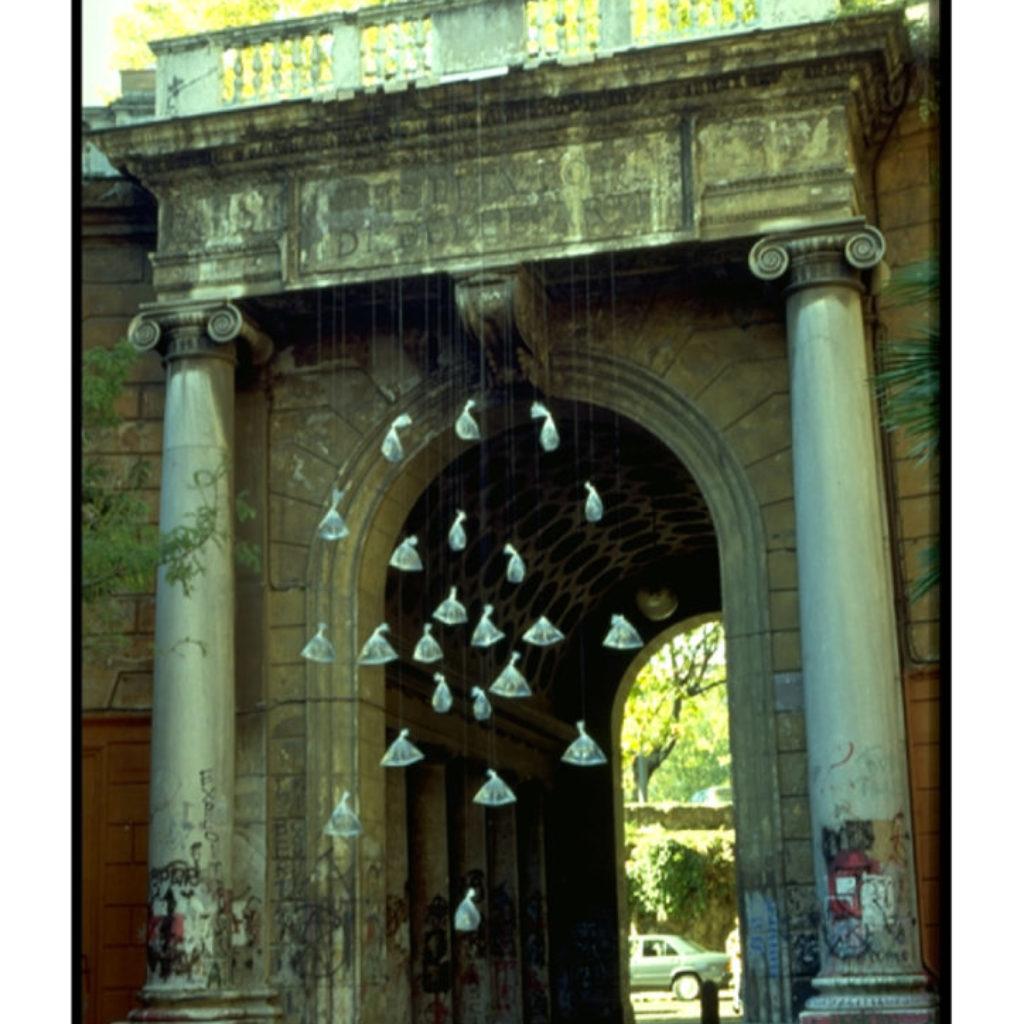 acquaevento. sacchetti di plastica, acqua dimensioni ambientali. Accademia di Belle Arti, Roma