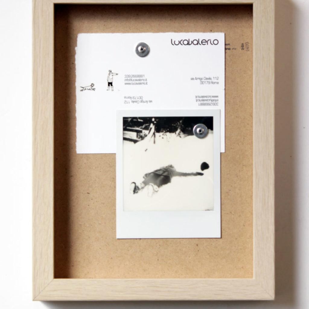 walk in silence. stampa a ricalco e polaroid su carta calcografica e mdf, cornice. cm. 26,2 x 20,2. 2015