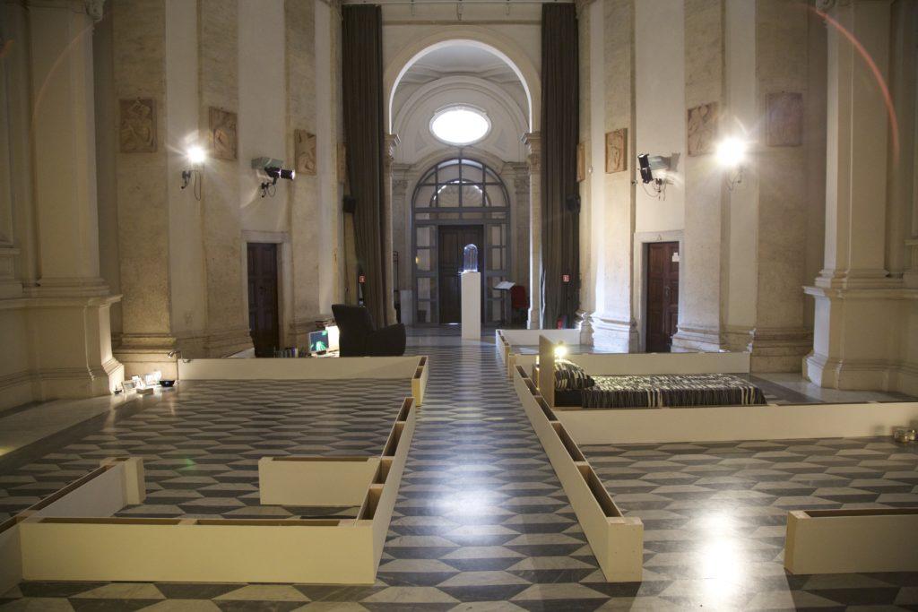INNOMINEDOMINI (allestimento). sala santa rita, dimensioni ambientali. 2016