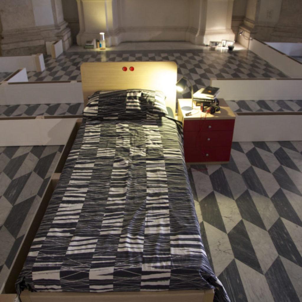 INNOMINEDOMINI (letto). sala santa rita, dimensioni ambientali. 2016