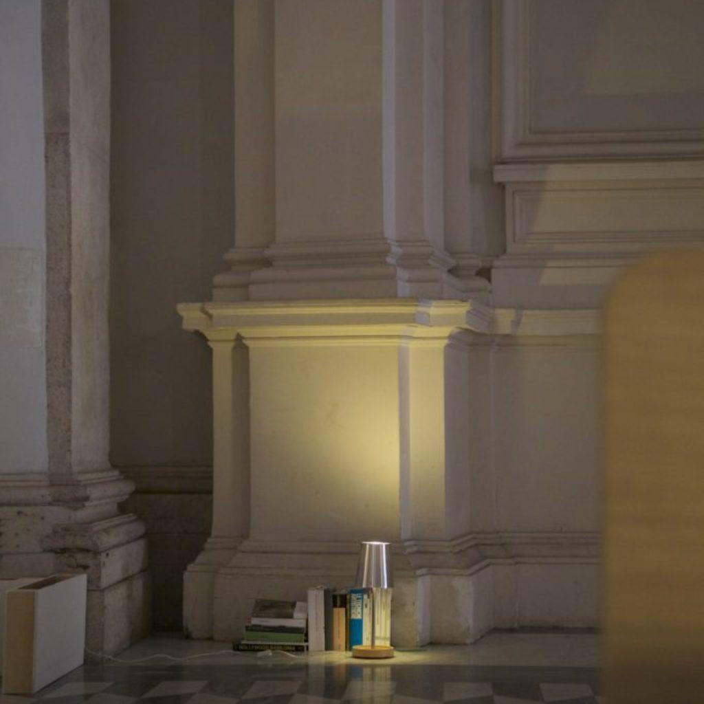 INNOMINEDOMINI (comodino). sala santa rita, dimensioni ambientali. 2016