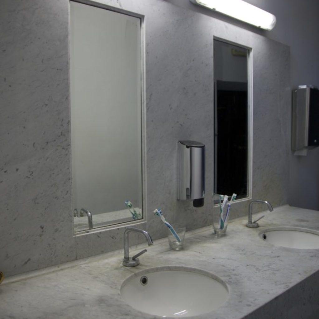 INNOMINEDOMINI (spazzolini). sala santa rita, dimensioni ambientali. 2016